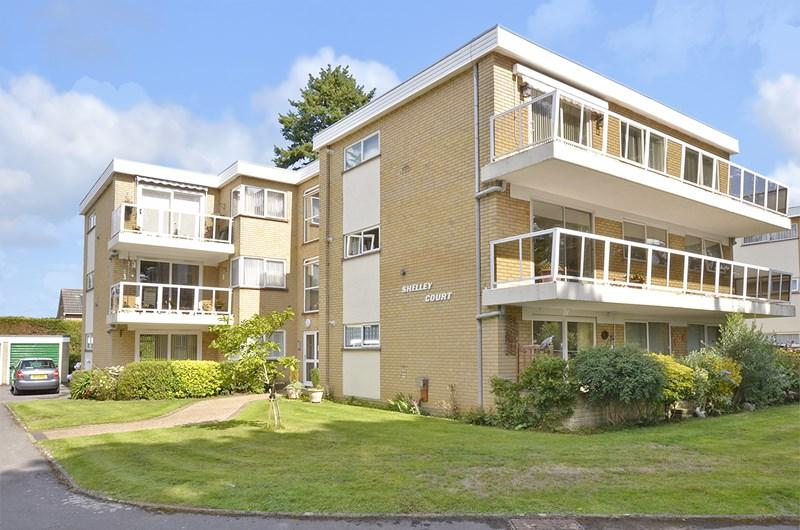 2 Bedrooms Apartment Flat for sale in Library Road, Ferndown