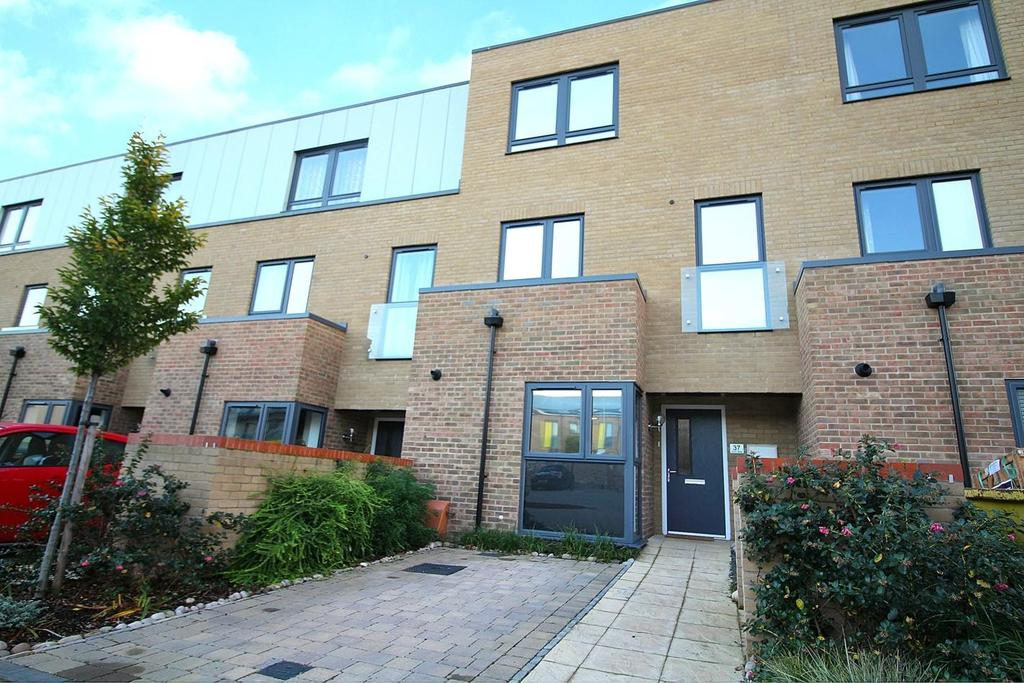 4 Bedrooms End Of Terrace House for sale in , Dunn Side, Chelmsford, CM1