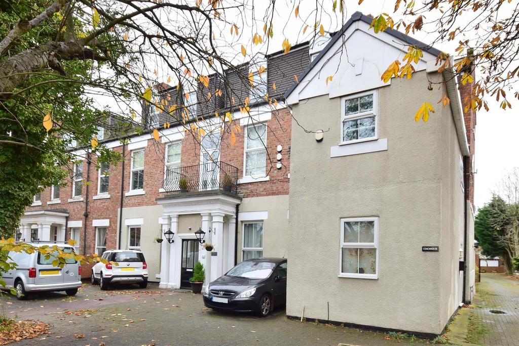 3 Bedrooms Apartment Flat for sale in Sea View Road, Sunderland