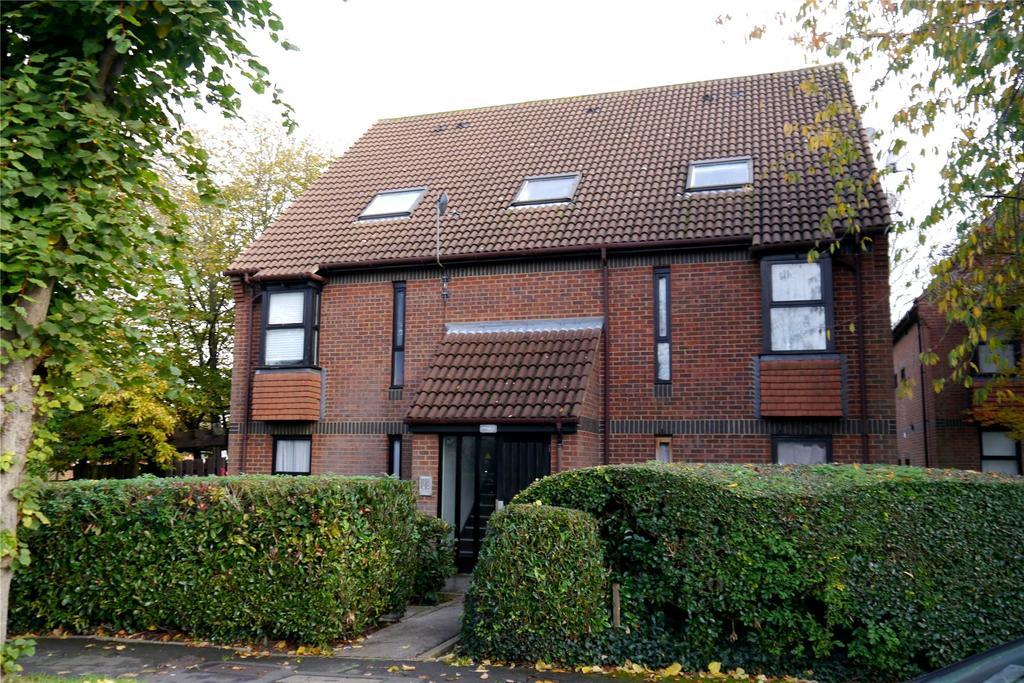 1 Bedroom Flat for sale in Alexander Close, New Barnet, Herts, EN4