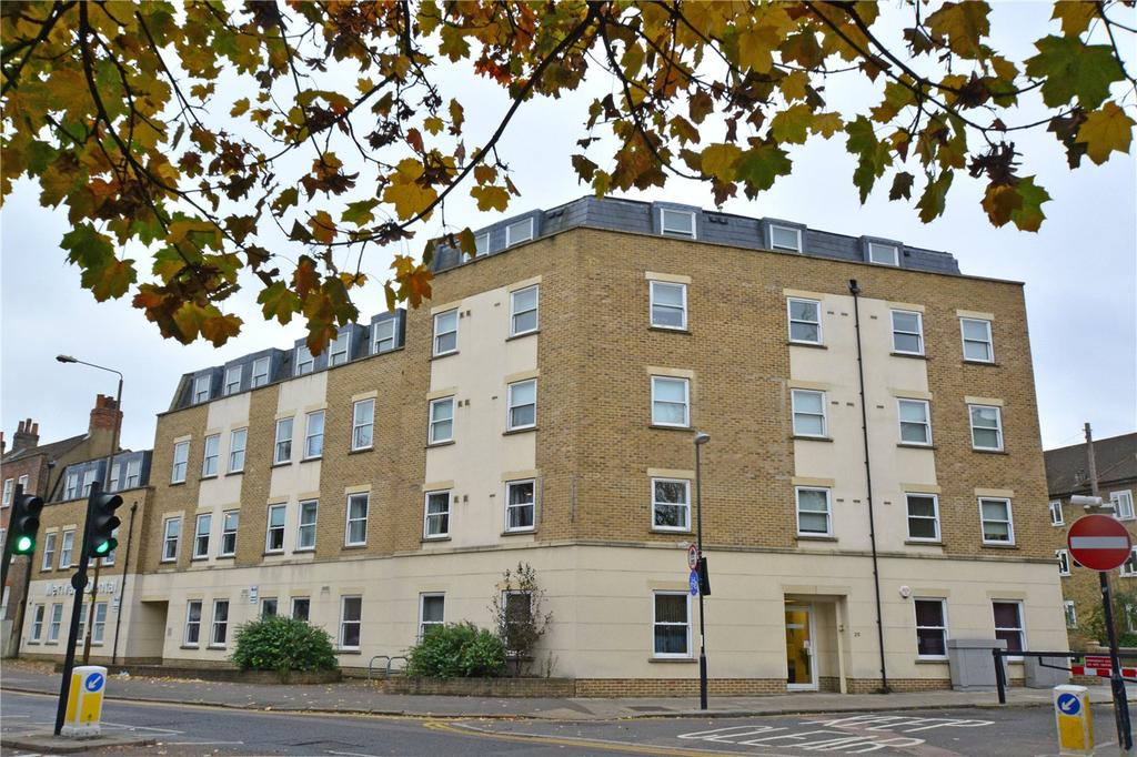 2 Bedrooms Flat for sale in Greenwich High Road, London, SE10