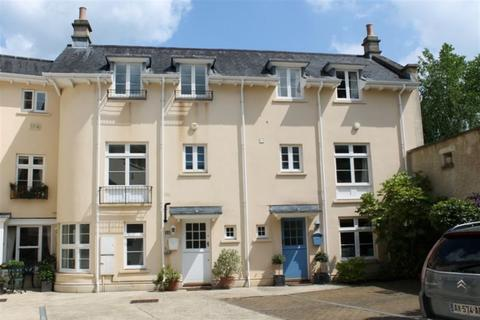 2 bedroom house to rent - Circus Mews