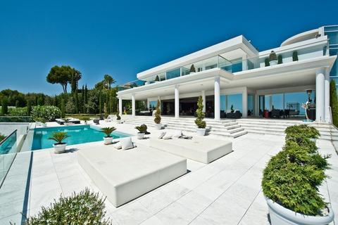 7 bedroom detached house  - The Golden Mile, Andalucia, Spain