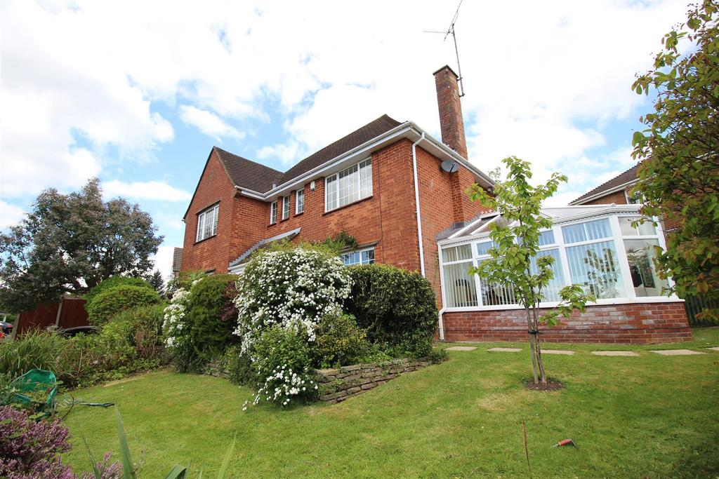 3 Bedrooms Detached House for sale in Quebec Close, Newport