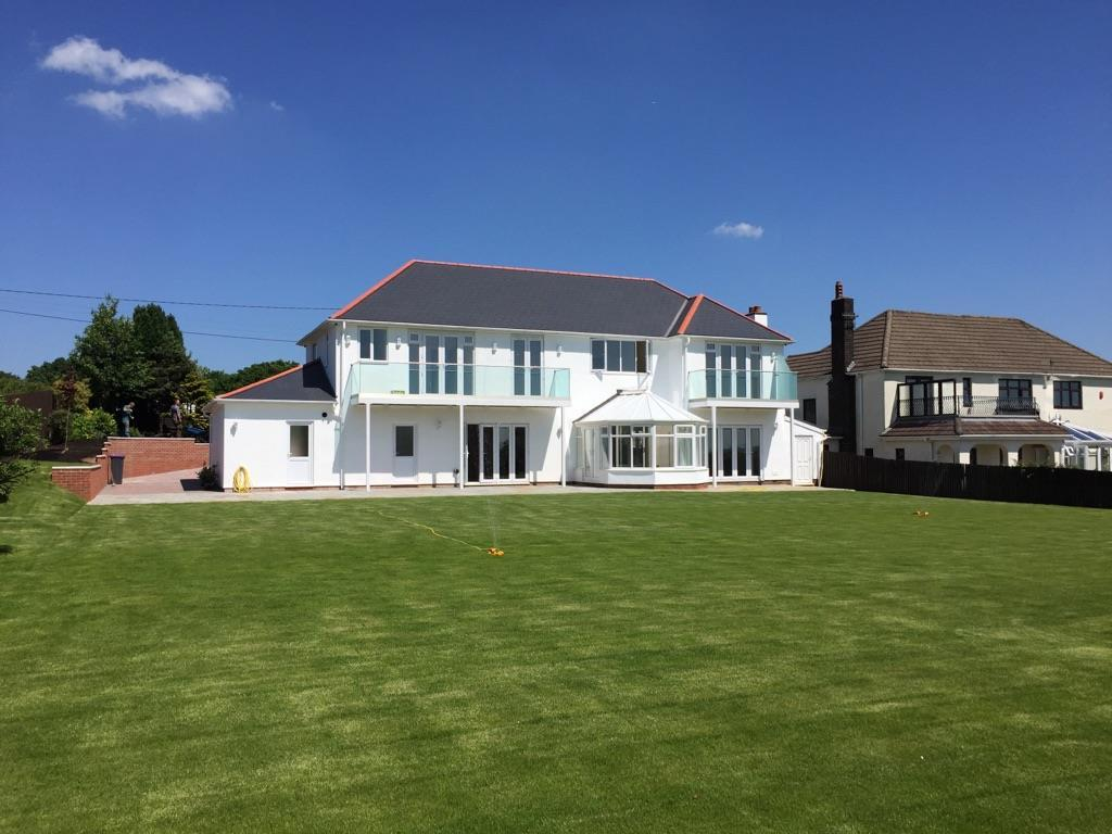 5 Bedrooms Detached House for sale in Sluvad Road, New Inn, Pontypool