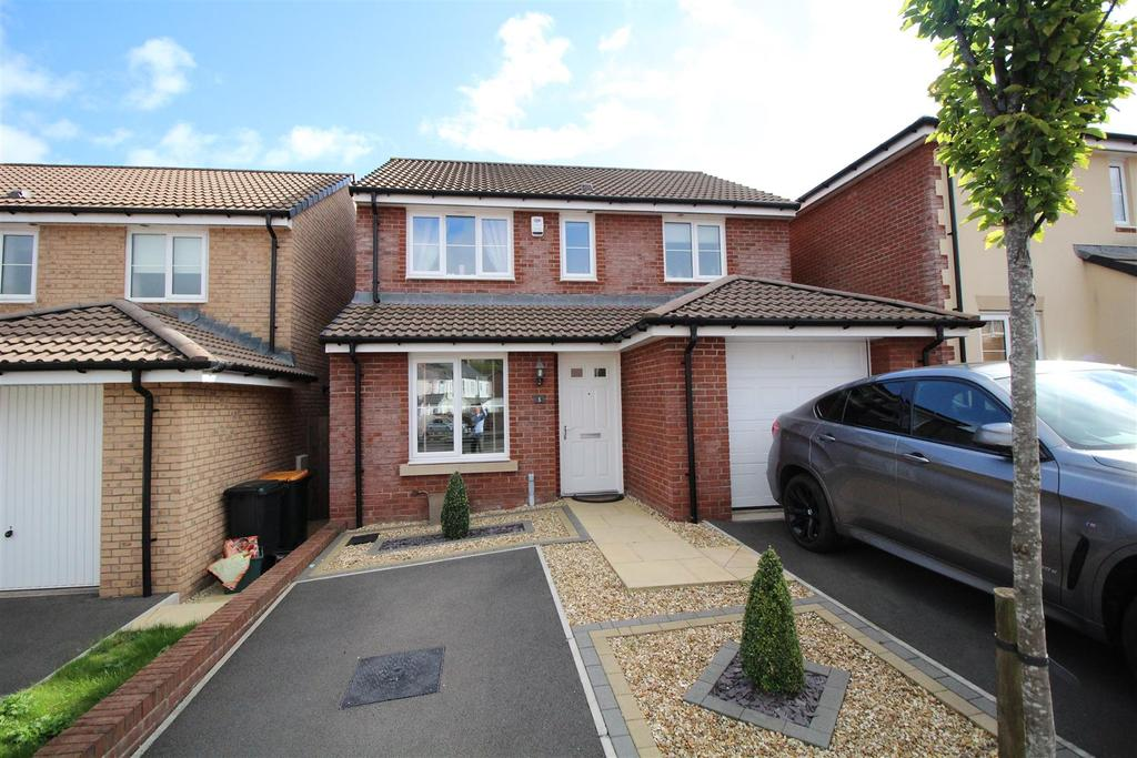 3 Bedrooms Detached House for sale in Bailey Crescent, Langstone, Newport