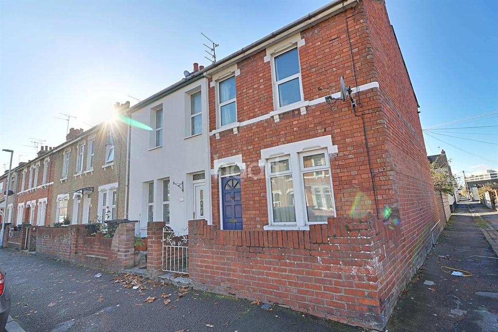 2 Bedrooms End Of Terrace House for sale in Salisbury Street, Swindon, Wiltshire