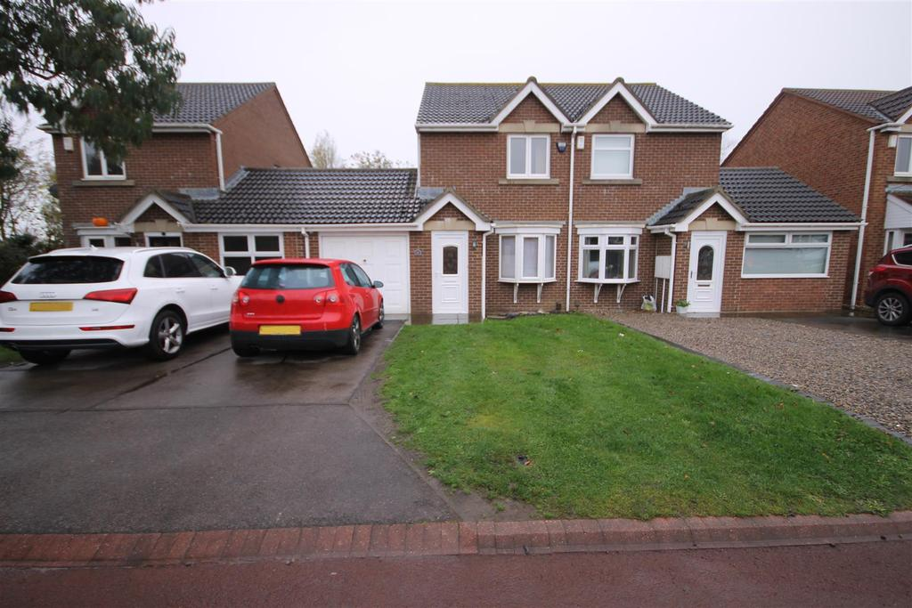 2 Bedrooms Semi Detached House for sale in Whinchat Close, Middle Warren, Hartlepool