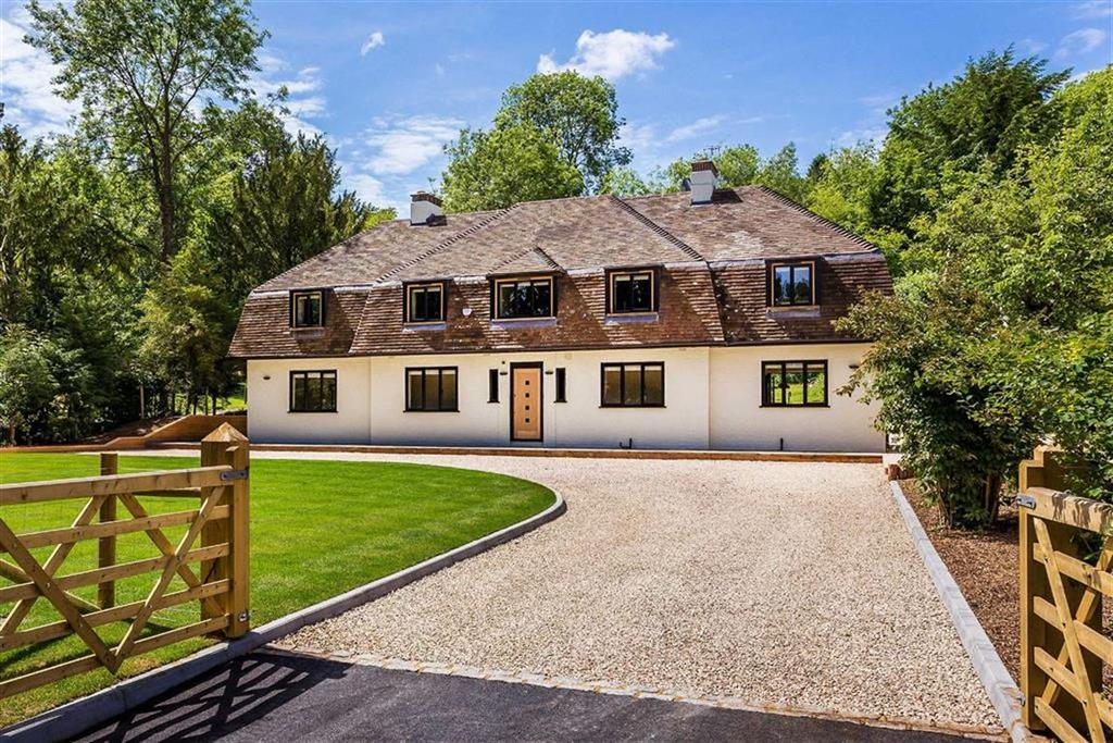 4 Bedrooms Detached House for rent in Butlers Dene Road, Woldingham, Surrey