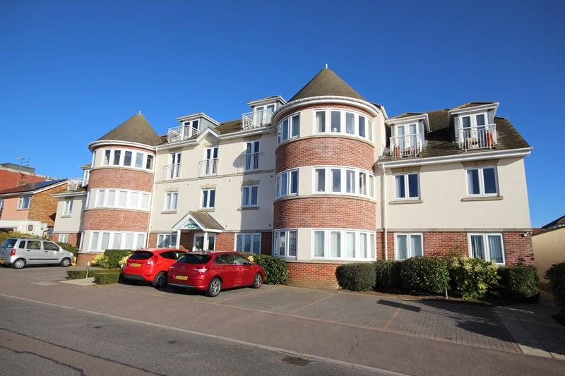 2 Bedrooms Flat for sale in Collingwood Road, CLACTON ON SEA