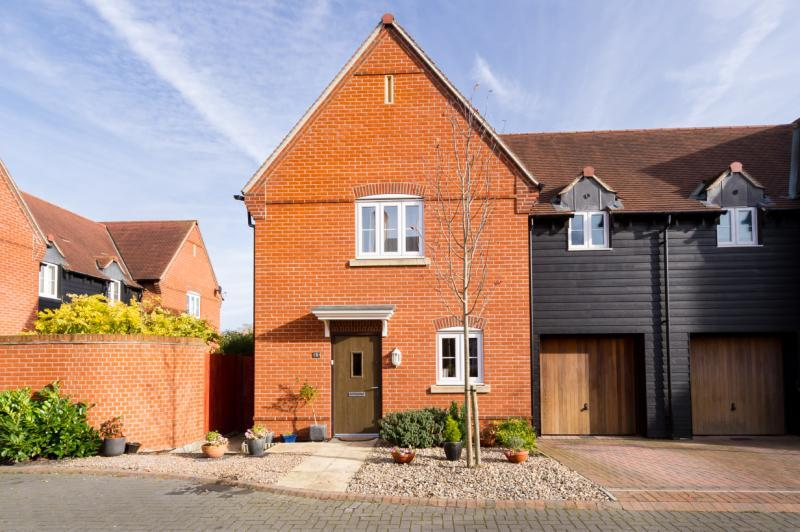 3 Bedrooms Semi Detached House for sale in Amey Close, Sutton Courtenay, Abingdon