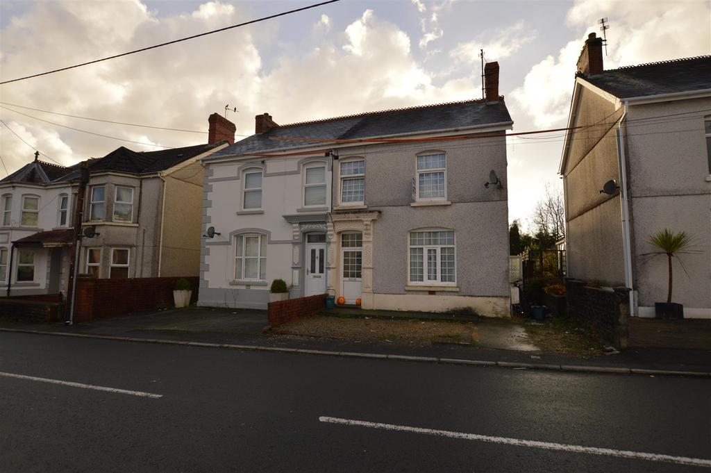 3 Bedrooms Semi Detached House for sale in Glanamman, Ammanford