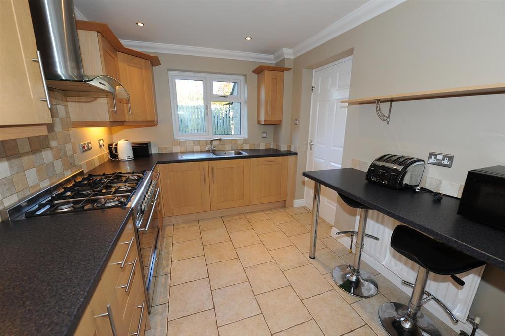 3 Bedrooms Semi Detached House for sale in St. Trinians Drive, Richmond