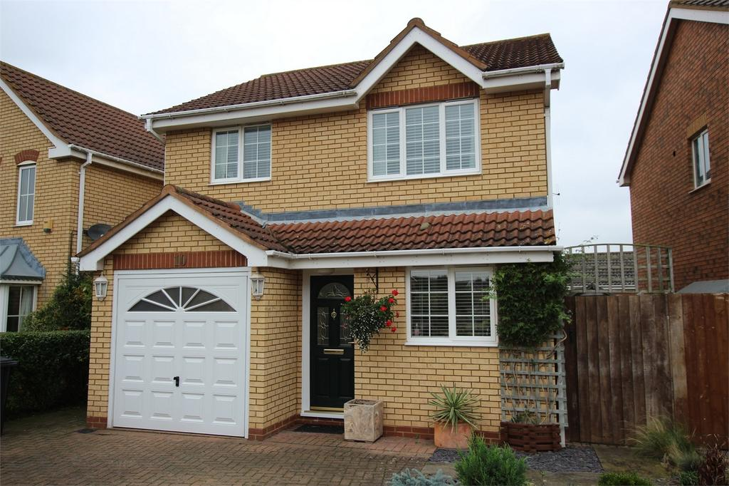 3 Bedrooms Detached House for sale in Poppy Field, Biggleswade, Bedfordshire