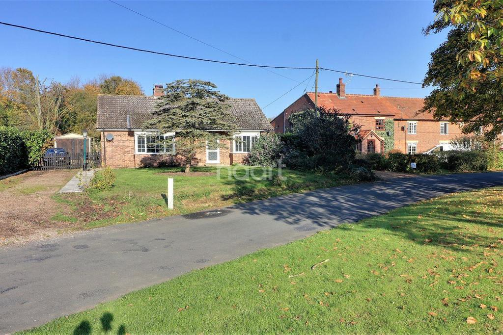 2 Bedrooms Bungalow for sale in Griston, Thetford