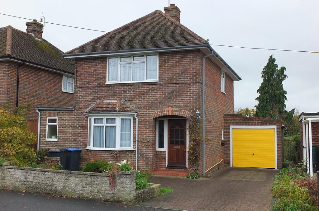 3 Bedrooms House for sale in Wood Ride, Haywards Heath, RH16