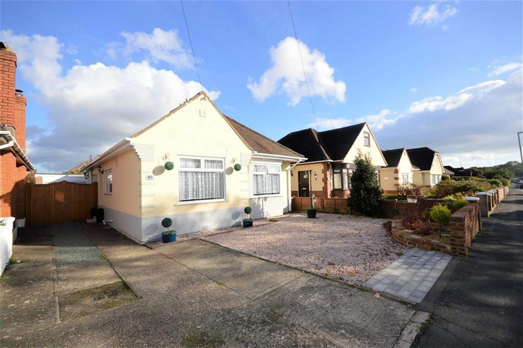 3 Bedrooms Detached Bungalow for sale in Durdells Avenue, Bournemouth, BH11