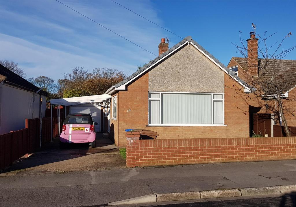 2 Bedrooms Detached Bungalow for sale in Chestnut Avenue, Withernsea, East Riding of Yorkshire