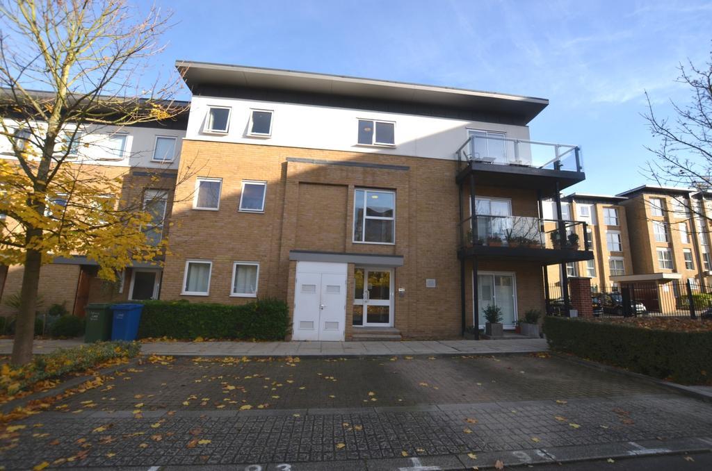 2 Bedrooms Flat for sale in Highwood Close East Dulwich SE22