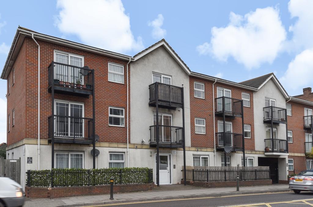 2 Bedrooms Flat for sale in Croydon Road Beckenham BR3