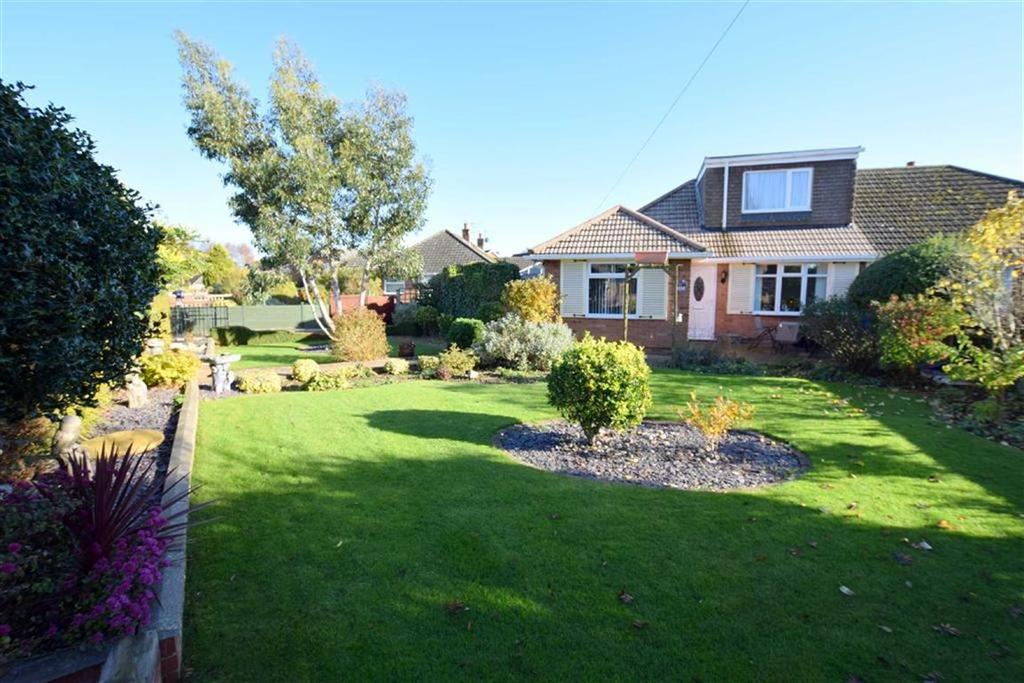 3 Bedrooms Semi Detached Bungalow for sale in Amesbury Avenue, Scartho, North East Lincolnshire
