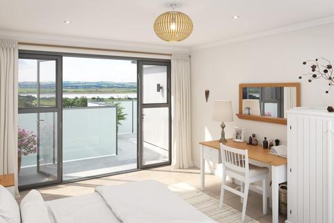 4 bedroom detached house for sale - Meadowside, Ashford