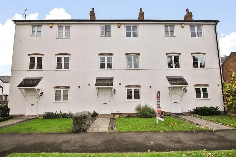 3 Bedrooms Terraced House for sale in Monnow Keep , Monmouth, Monmouthshire. NP25 3EX