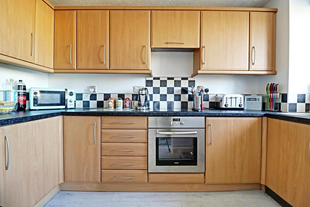 1 Bedroom Flat for sale in Salmon Road, Dartford, DA1