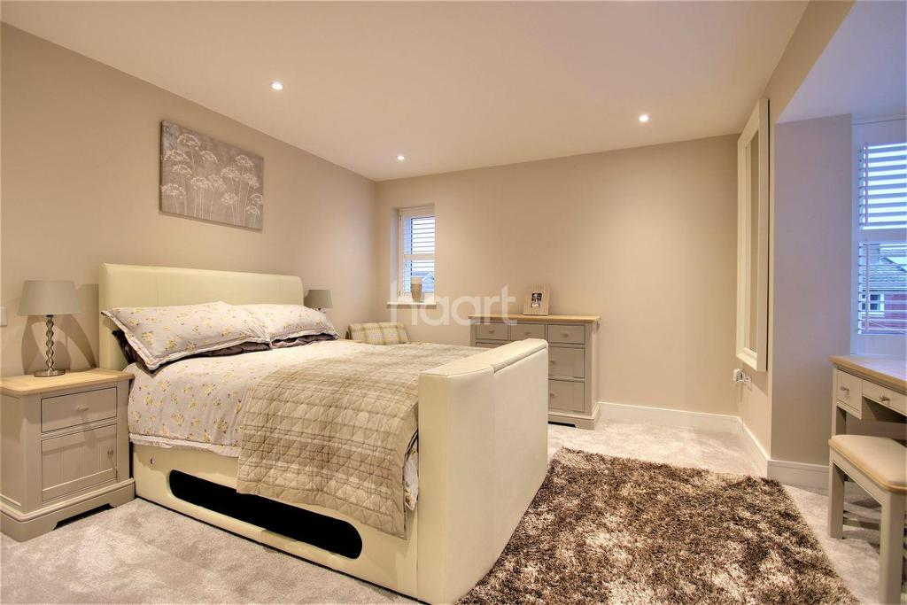 5 Bedrooms Detached House for sale in Heath Road, Coxheath, Maidstone, Kent, ME17