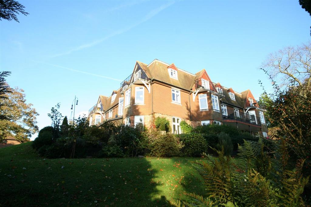 1 Bedroom Apartment Flat for sale in Springhills, Barrow Hill, Henfield