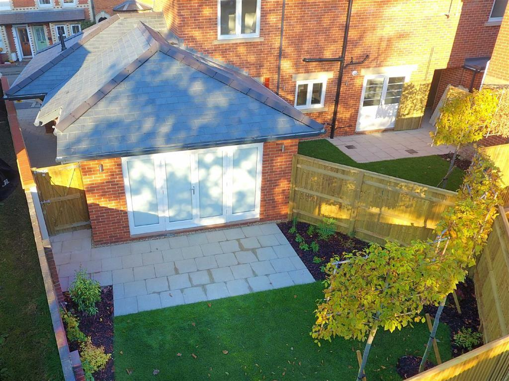 1 Bedroom Semi Detached Bungalow for sale in The Bakehouse, Rectory Road, Reading