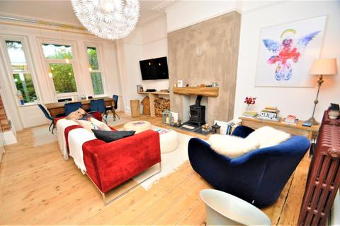 3 bedroom apartment for sale - Coy Pond / Westbourne