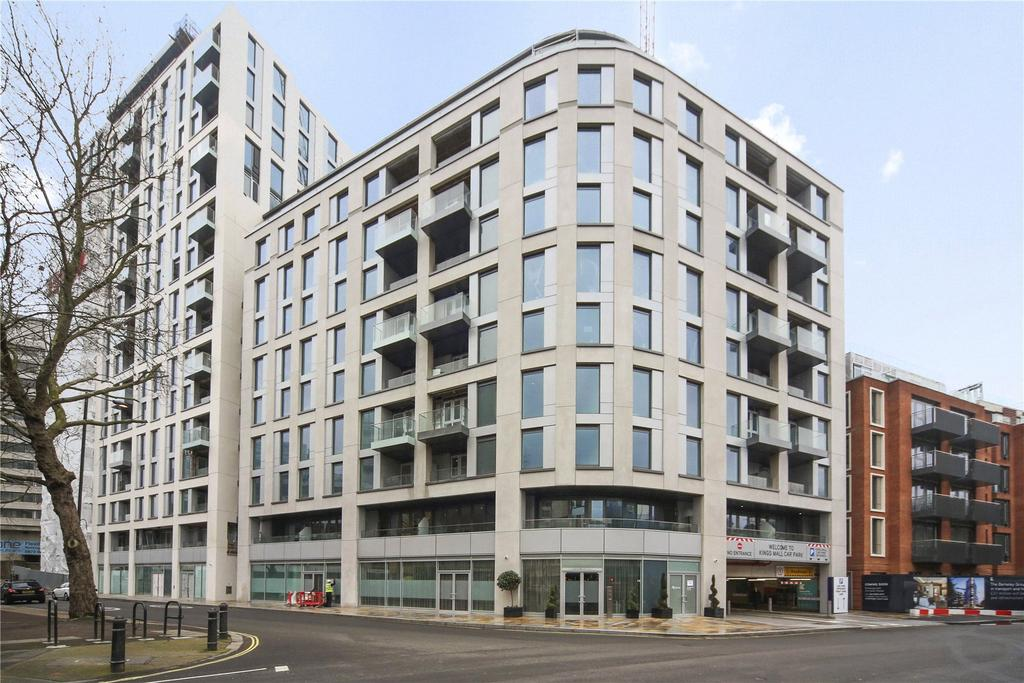3 Bedrooms Flat for sale in Sovereign Court, Glenthorne Road, London, W6