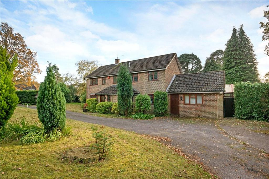 4 Bedrooms Detached House for sale in The Moorings, Hindhead, Surrey, GU26
