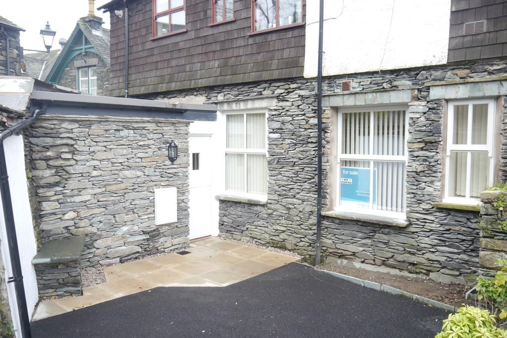 1 Bedroom Ground Flat for sale in The Cottage, St Marys Lane, Ambleside, LA22 9DG