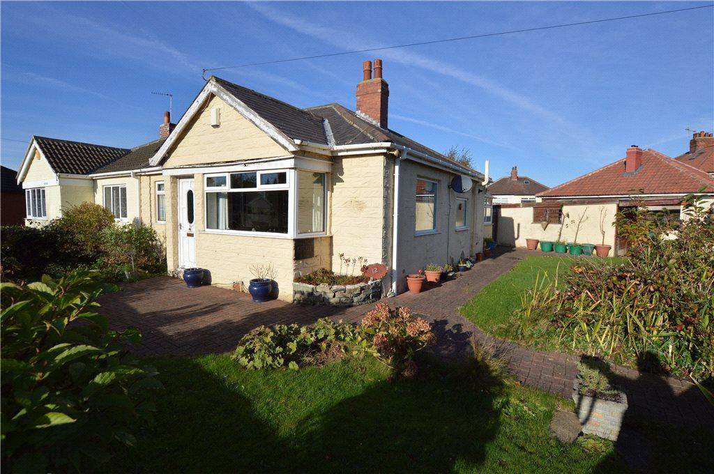 2 Bedrooms Semi Detached Bungalow for sale in Portage Avenue, Leeds, West Yorkshire