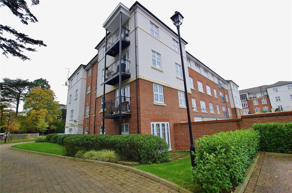 2 Bedrooms Apartment Flat for sale in Stewart Court, 2 Colnhurst Road, Watford, Hertfordshire, WD17