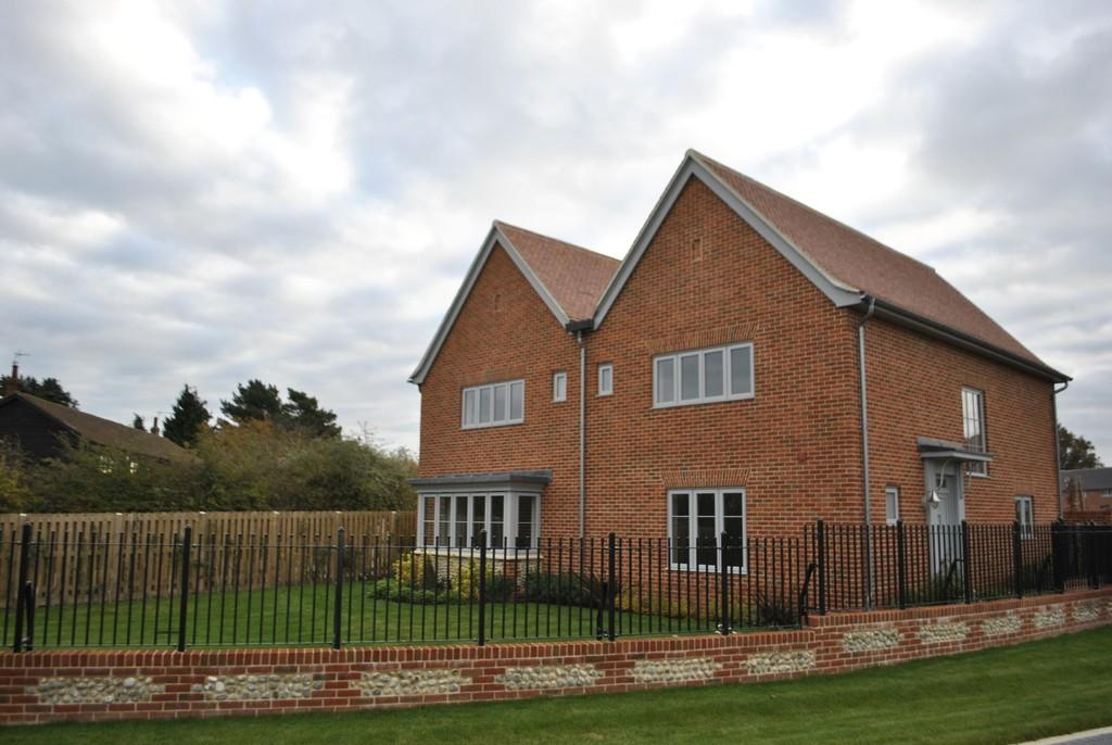 4 Bedrooms Detached House for rent in Fishers Drive, Risby