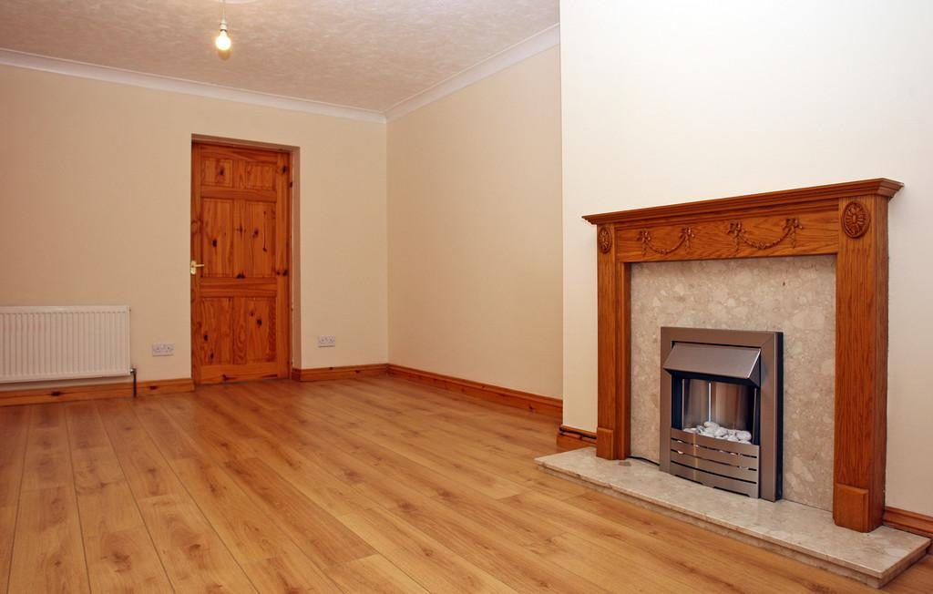 3 Bedrooms Terraced House for sale in Henwalia, Caernarfon, North Wales