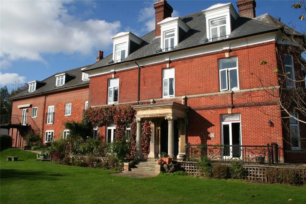 2 Bedrooms Flat for sale in Bourne Avenue, Salisbury, Wiltshire, SP1