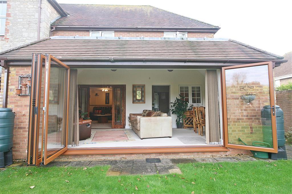 3 Bedrooms Semi Detached House for sale in Grange Farm, Grange Road, Netley Abbey, Southampton, SO31 5FF