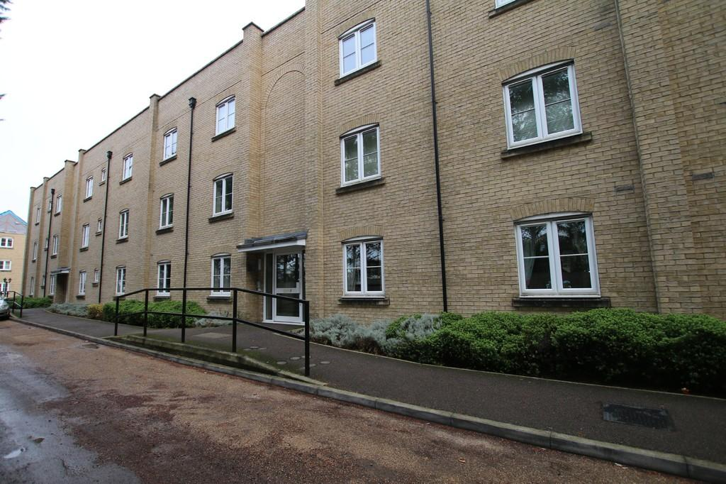 2 Bedrooms Apartment Flat for sale in Old Station Place, Chatteris