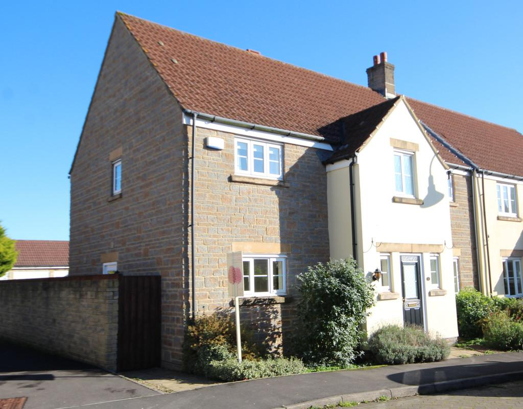 4 Bedrooms Semi Detached House for sale in Positioned centrally within this ever popular development