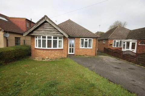 3 bedroom bungalow for sale - Crewes Avenue, Warlingham