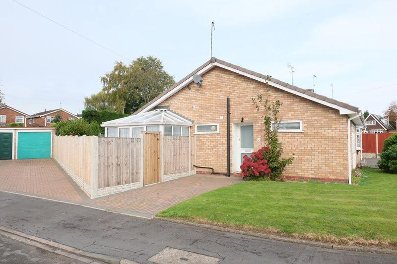 2 Bedrooms Semi Detached Bungalow for sale in Burlish Close, Stourport-On-Severn DY13 8XN