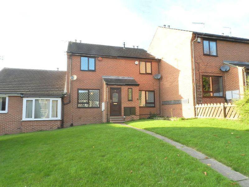 2 Bedrooms Town House for sale in St Matthias Terrace, Leeds