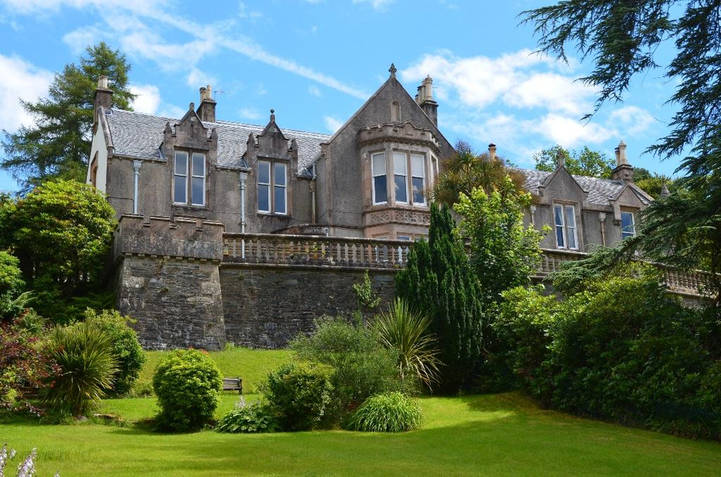 4 Bedrooms Apartment Flat for sale in West Linnburn, Shandon, Argyll Bute, G84 8NR