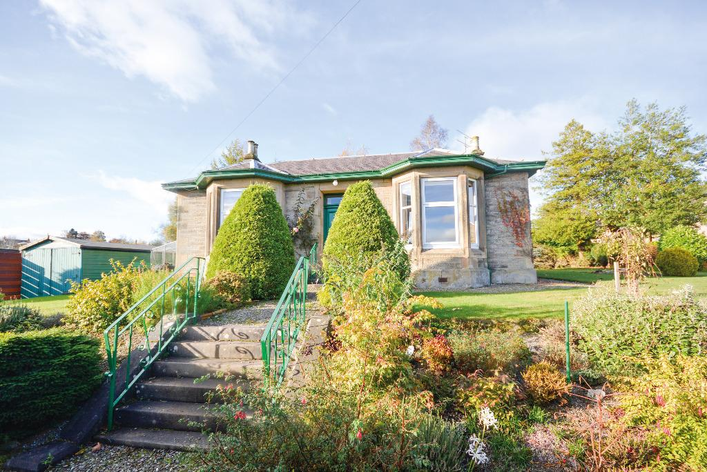 3 Bedrooms Detached Bungalow for sale in Acredale, 3 Doune Road, Dunblane, Stirling, FK15 9AR