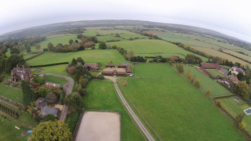 4 Bedrooms Equestrian Facility Character Property for sale in Hound House Road, Shere