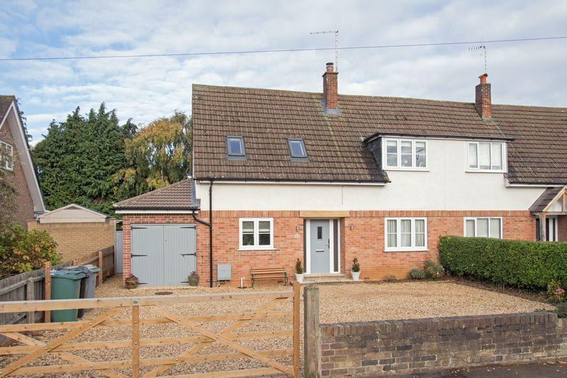 3 Bedrooms Semi Detached House for sale in Waverley Gardens, Stamford